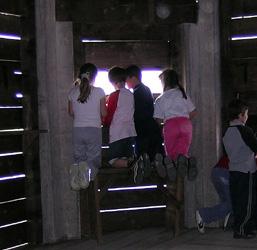 Bambini nell'osservatorio
